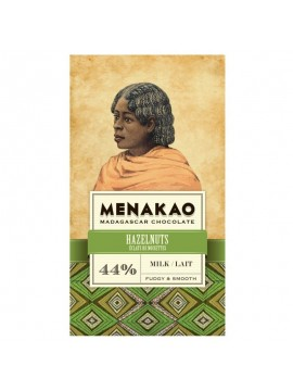 Menakao Milk chocolate 44 % with hazelnut chips