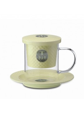 Glass cup with strainer